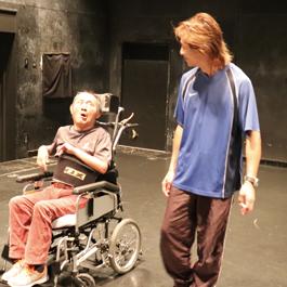 障害のある人と知り合う演劇